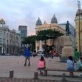 Place dans le centre historique, prisée par les skaters ;)