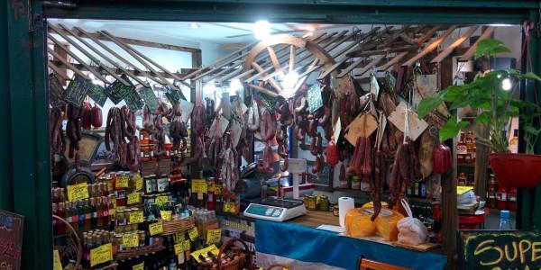 San Telmo : marché couvert. 1ers saucissons depuis le 1er octobre