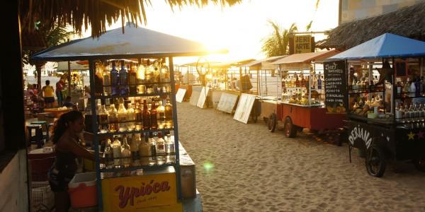 Les stands à Caïpirinha sur la plage de Jeri