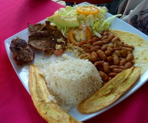 Spécialité - riz banane haricot (1)