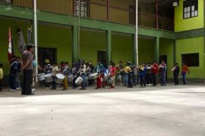 Enfants répétant en fanfare