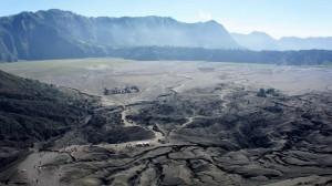 Vue d'en haut du volcan Bromo : lunaire !