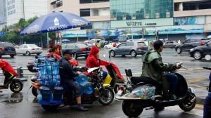 Pluie dans les rues de Chengdu
