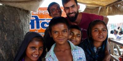 Manu et ses nvx copains à Roopangarh