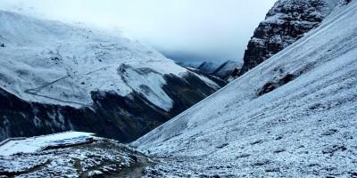 Réveil sous la neige aux couleurs irréelles