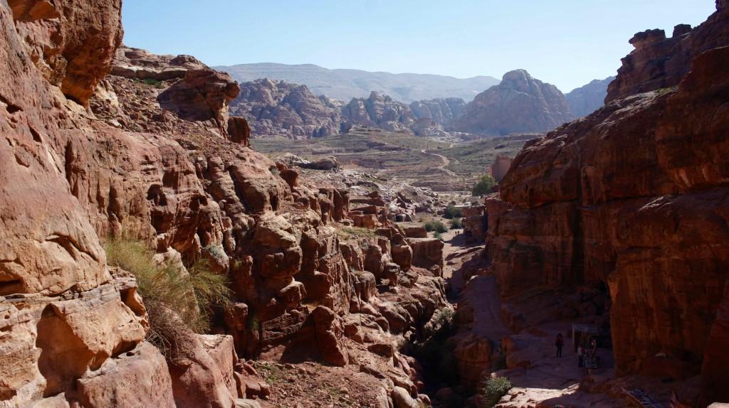 Vue du Monastère sur le centre de Petra
