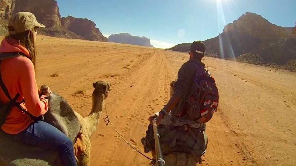 Entrée en chameau dans le Wadi Rum