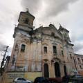 Eglise où pousse les arbres