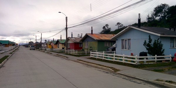 La seule rue pavée de Puerto Williams