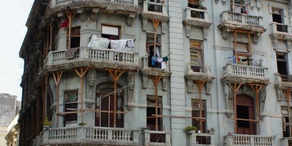 On fait comme on peut pour maintenir les balcons